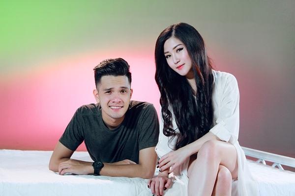 Hương Tràm và bạn diễn trong MV Người Từng Yêu Anh Rất Sâu Nặng