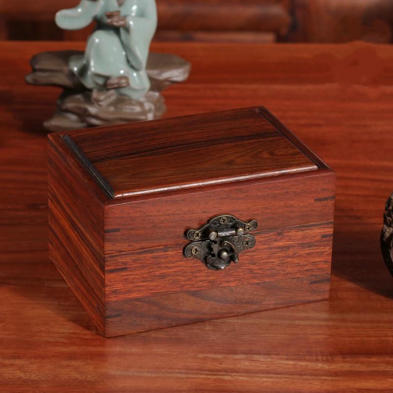 Chọn hộp gỗ gụ cho người tuổi Mùi để đem lại may mắn