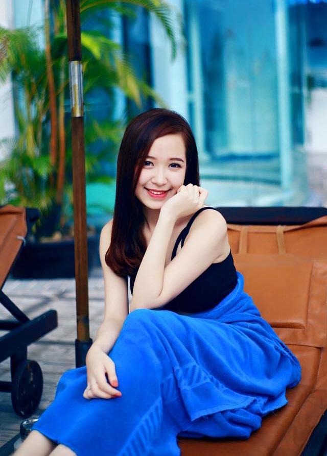 Xinh đẹp, nụ cười tỏa nắng của Kim Oanh