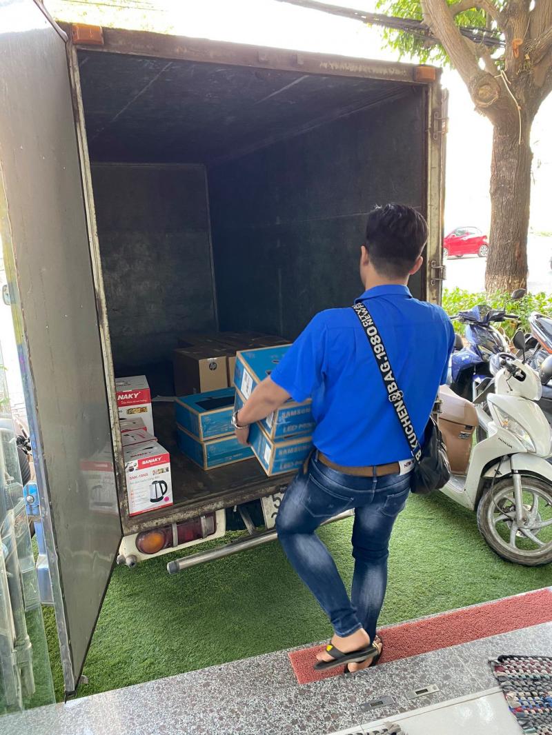 Nguyễn Lâm hỗ trợ lắp đặt, giao hàng tận nơi