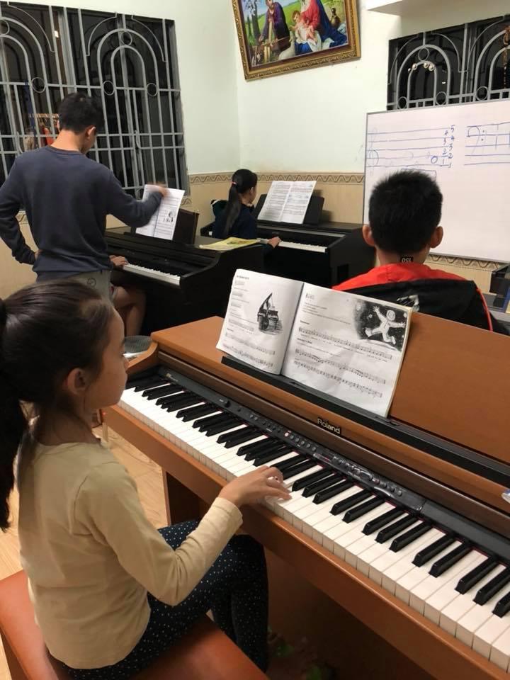 Lớp nhạc Nguyễn Lan Anh