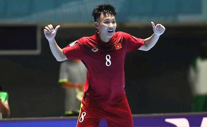 Minh Trí đã trở thành người hùng của Futsal Việt Nam khi lập hatrick vào lưới Guatemala.
