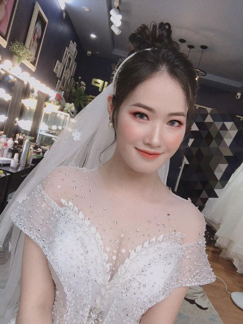 Nguyễn Ngà make up