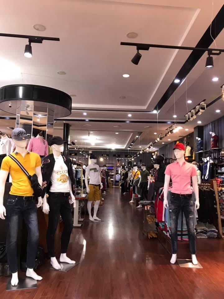 Không gian mua sắm tại Nguyễn phước store