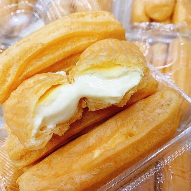 Bánh của quán mang đậm phong cách châu Âu, không chỉ về vẻ ngoài hương vị mà cách gói và trang trí chiếc bánh cũng như thế.
