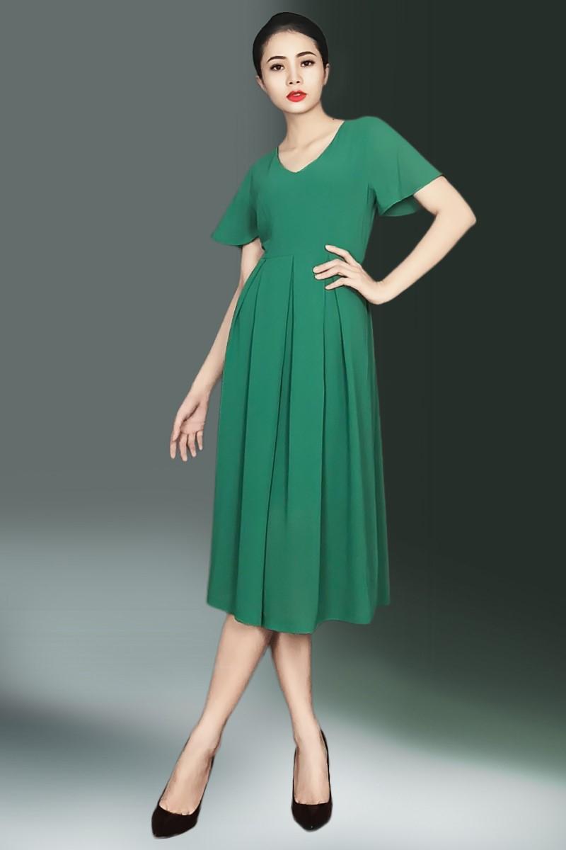 Váy xòe giúp bạn thanh lịch hơn