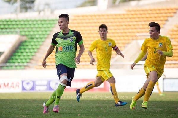Tiền đạo trẻ Nguyễn Xuân Nam tại Lao League.