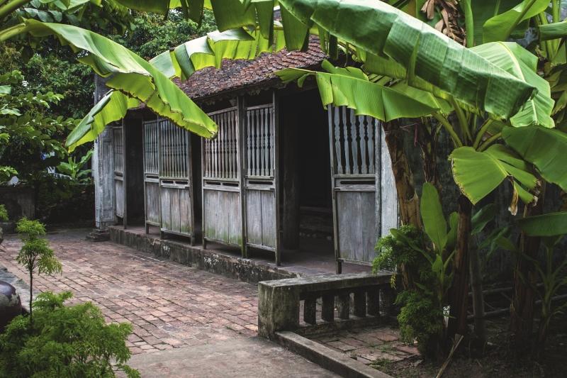Ngôi nhà Bá Kiến ba gian cùng vườn chuối xanh mát
