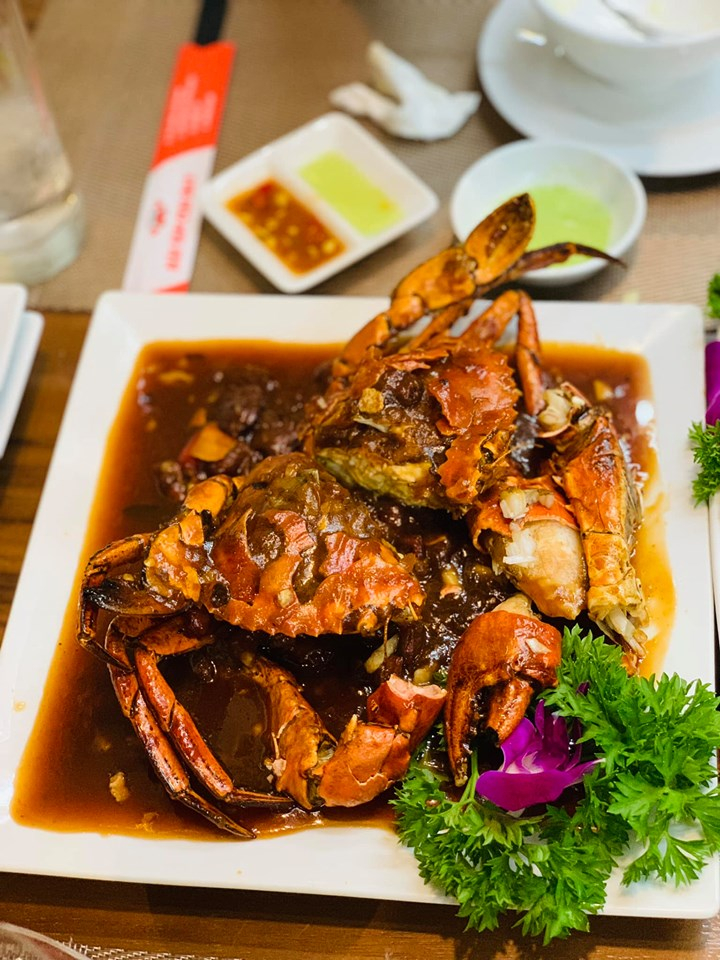Diners will be amazed at the menu of up to hundreds of Crab Bay dishes