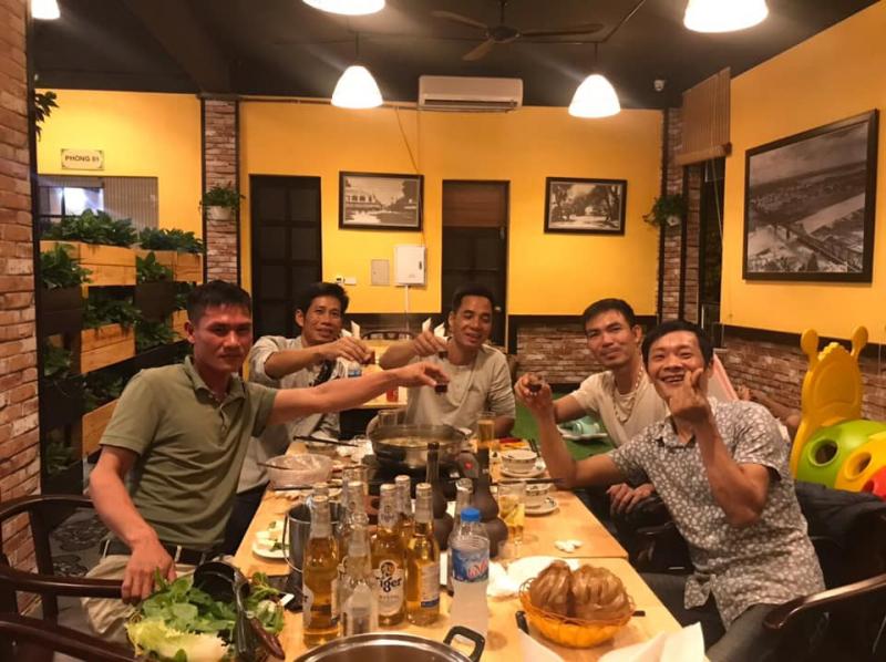 Nhà hàng Bảy Hồng