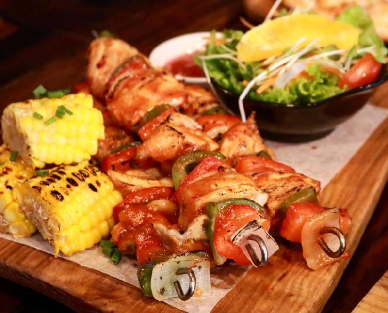 Nhà hàng Big Pig BBQ & Beer Trường Sơn