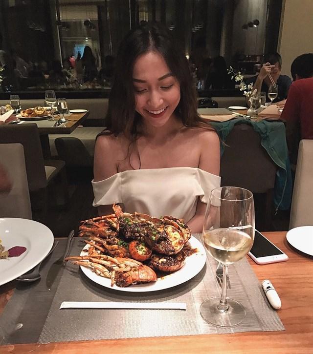 Top 11 Nhà hàng buffet hải sản tôm hùm ngon nhất Sài Gòn