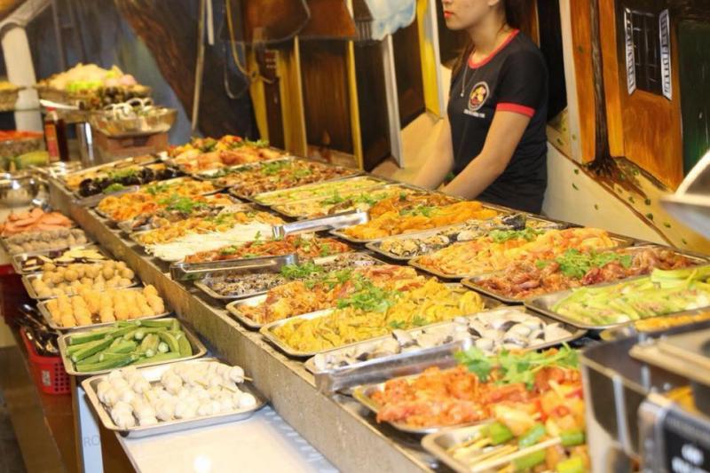 Với người Đà Nẵng, buffet không còn là loại hình ẩm thực mới lạ.