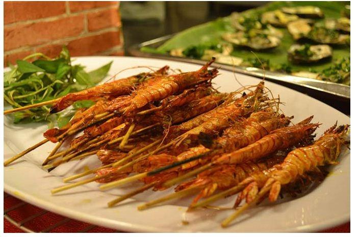 Nhà hàng nổi tiếng nhất với các món hải sản kiểu Hoa - Việt độc đáo