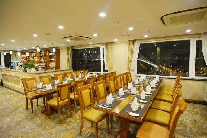 Nhà hàng Buffet Sen Việt là một trong những nhà hàng có không gian đẹp nhất ở Hà Nội