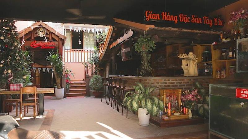 Không gian nhà hàng thiết kế theo phong cách nhà sàn Tây Bắc