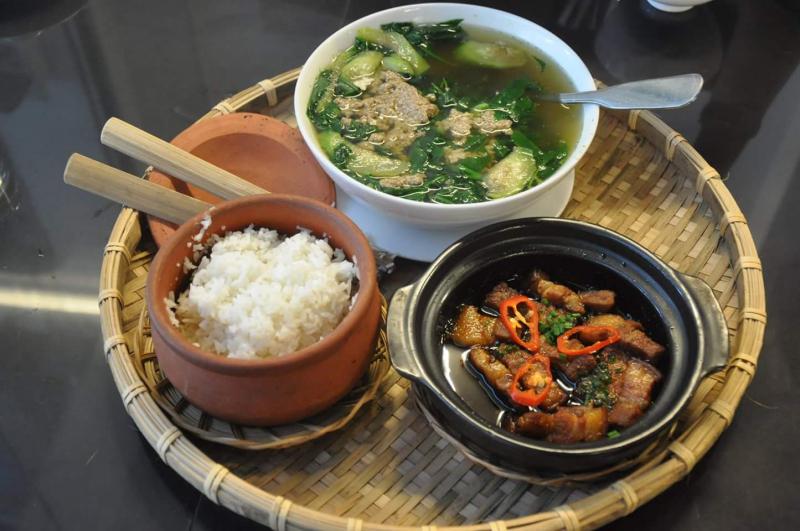 Nhà hàng cơm niêu Sơn Mã