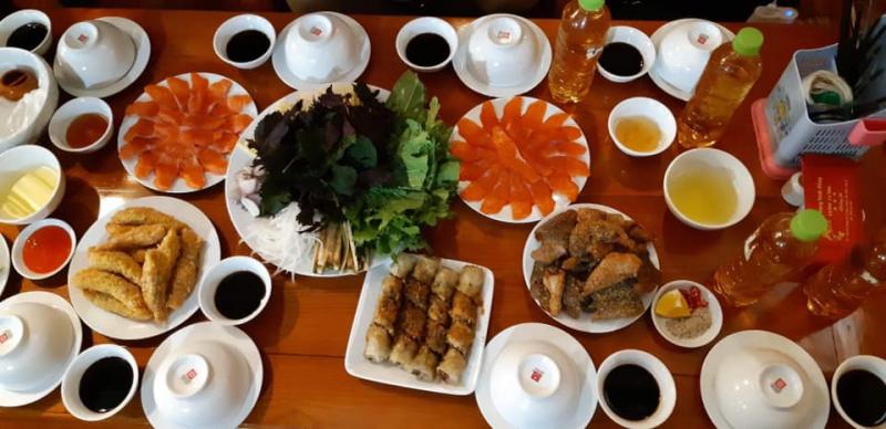Nhà hàng Đinh Hồng