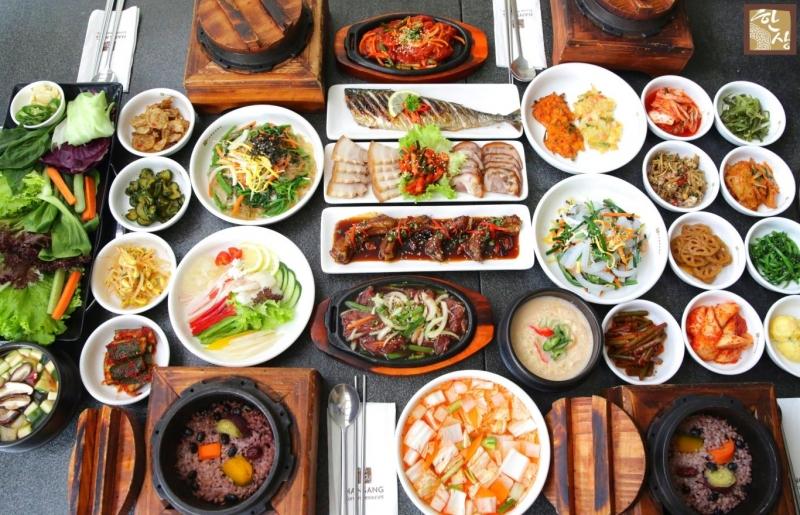 Top 11 Nhà hàng đồ ăn Hàn Quốc cho giới trẻ Hà Nội