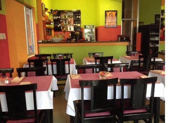 Nhà hàng Ganesh Indian Restaurant chuyên phục vụ các món kiểu Ấn và kiểu Việt