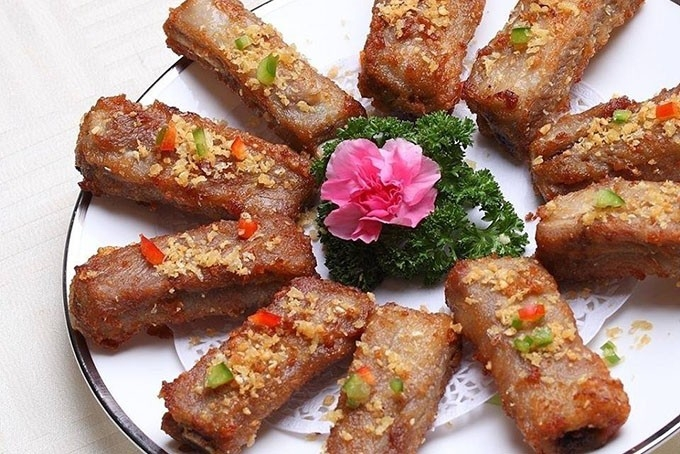 Hải Cảng Đồng Mô Farmstay mang đến những món đặc sản Việt Nam và ẩm thực Trung Hoa độc đáo