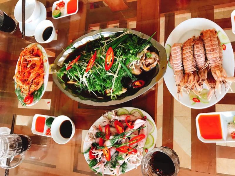Nhà hàng hải sản S-Hải Tiến