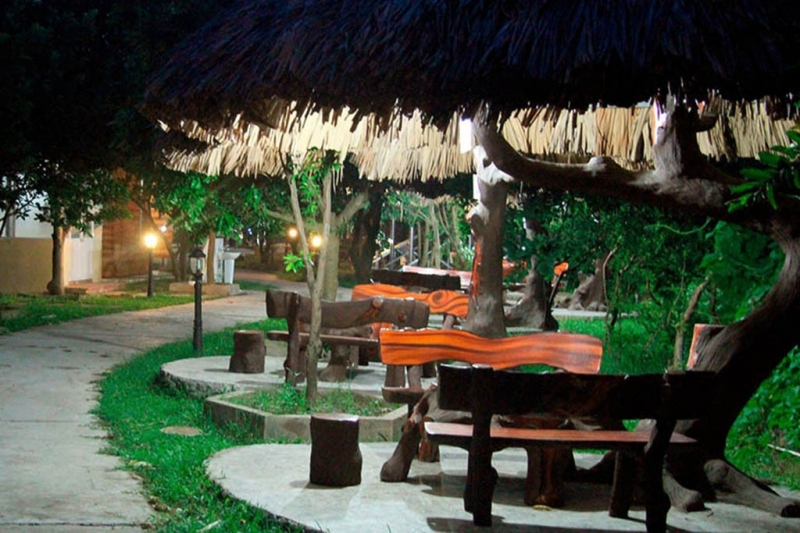 Hải Yến Tre Bãi Đá là một trong những nhà hàng sinh thái đậm chất thiên nhiên ở Hà Nội