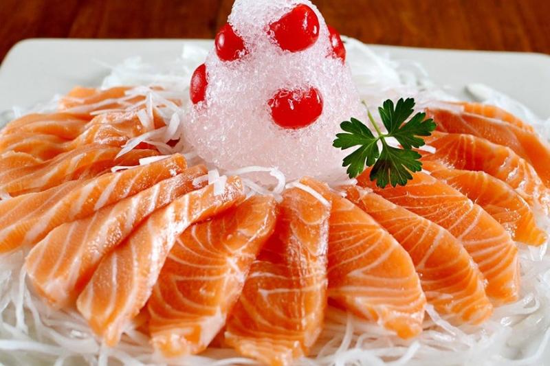 Nhà hàng Hoa An Viên chuyên phục vụ các món ăn từ Á đến Âu và buffet vô cùng hấp dẫn