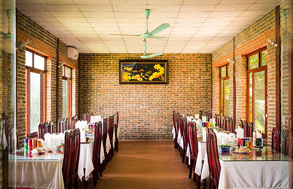 Nhà hàng Hoàng Giang