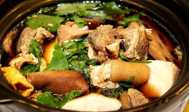 Lẩu dê món ăn hấp dẫn tại nhà hàng Hội Quán