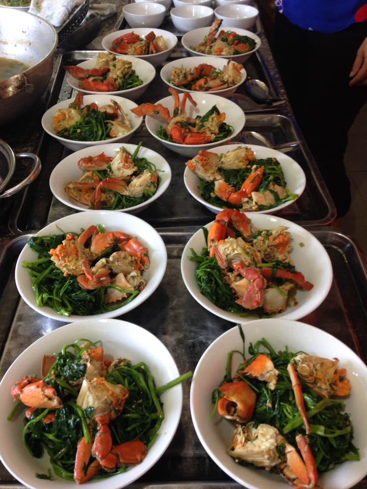 Món ăn tại nhà hàng Hồng Bàng
