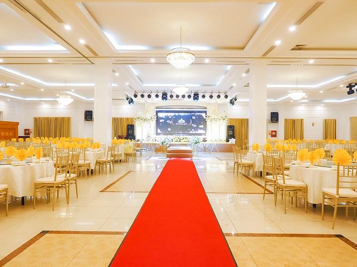 Không gian tổ chức tiệc cưới của nhà hàng Hương Sen.