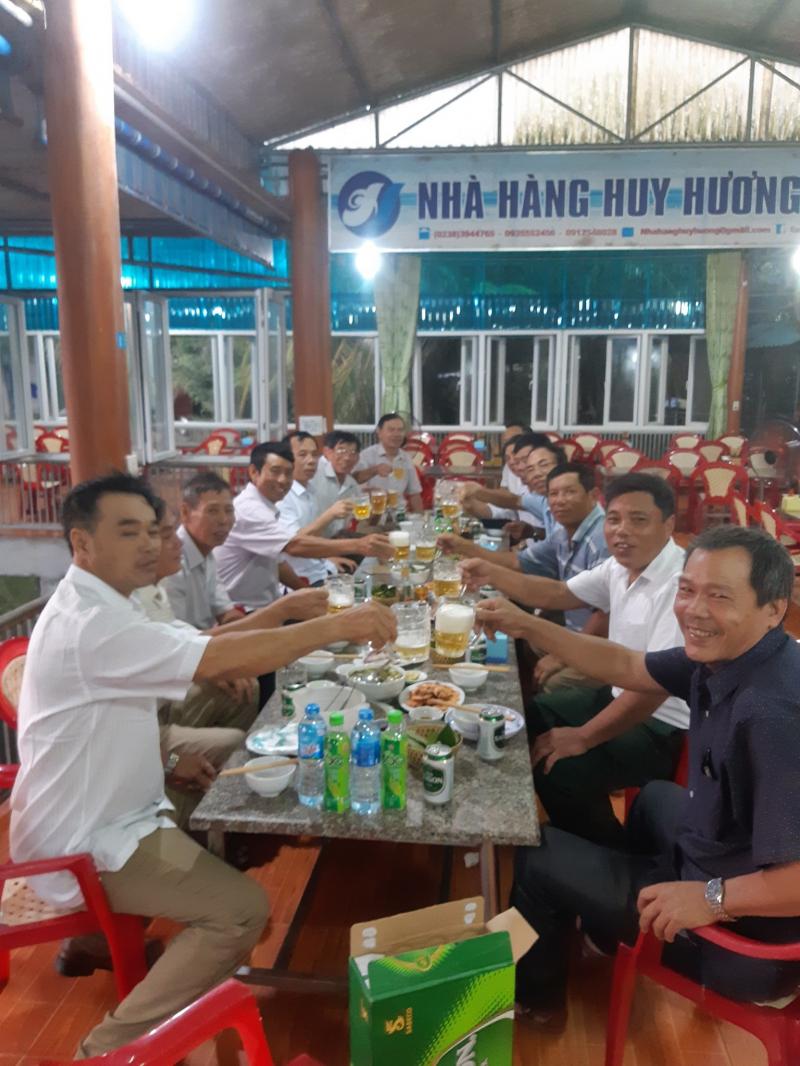 Nhà hàng Huy Hương Cửa Lò