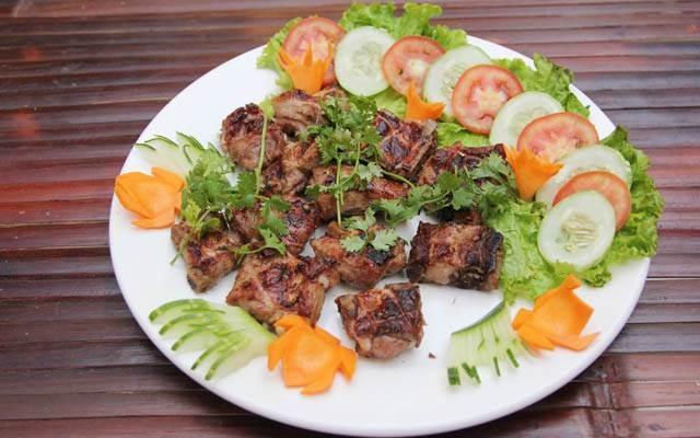 Một trong những món ăn được chế biến từ chim của nhà hàng