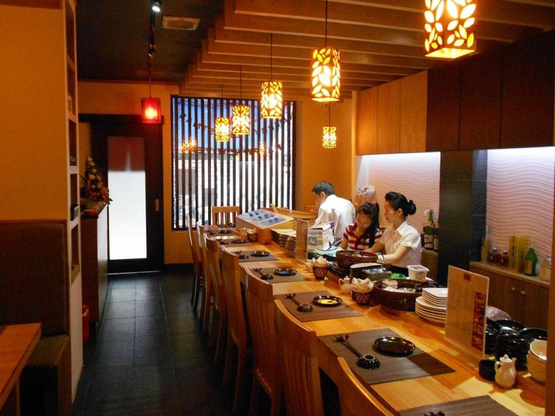 Không gian ấm cúng mang đậm chất nhà nhà hàng Nhật