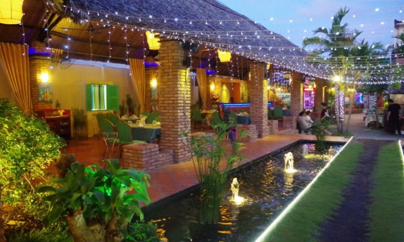 Nhà hàng La Vang chứa đầy đủ những tinh hoa văn hóa ẩm thực Việt