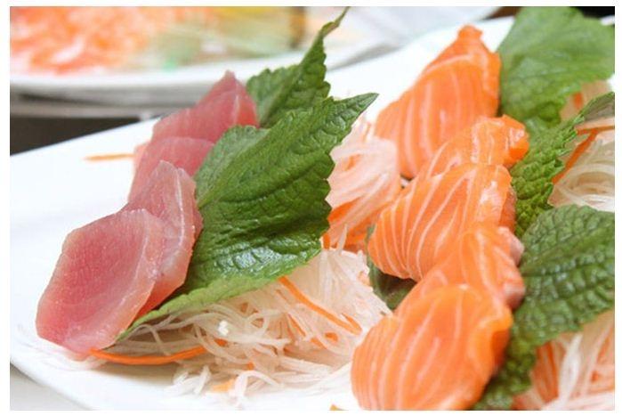 Sashimi cá hồi - món quà độc đáo từ xứ sở hoa anh đào