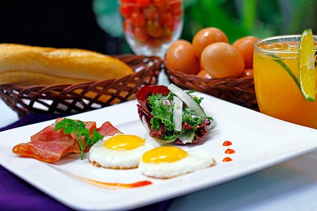 Pergola phục vụ đa dạng hình thức ẩm thực như tiệc set menu hay tiệc buffet