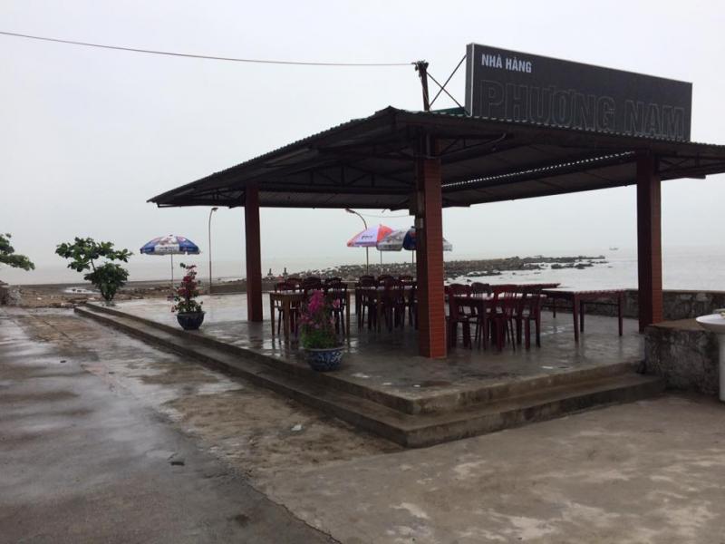 Nhà hàng Phương Nam với view nhìn ra biển