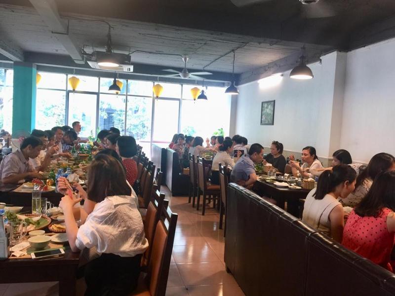 Được bài trí theo phong cách phương Nam, nhà hàng này mang đến luồng gió mới mẻ cho thực khách Hà thành