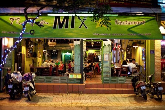 """Kết quả hình ảnh cho mix restaurant"""""""