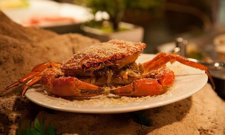 Sen Tây Hồ còn mang đến cho thực khách những món hải sản ngon không thể chối từ