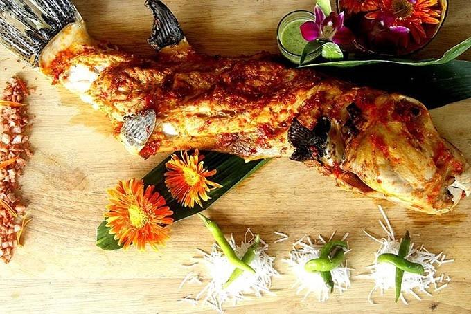Nhà hàng SUM Villa là một trong những nhà hàng hải sản ngon nhất ở Tây Hồ