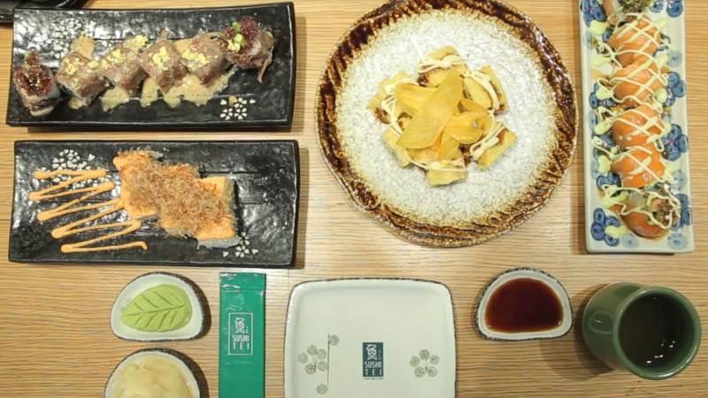Sushi xoài cá hồi mềm mọng