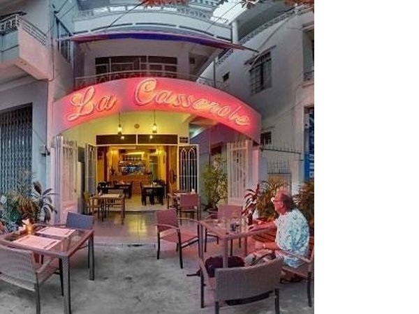 Nhà hàng Swiss House La Casserole là cầu nối giữa du khách đến với ẩm thực thế giới