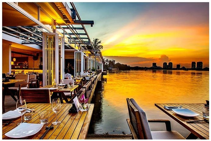 """The Deck Saigon - điểm đến yêu thích của """"dân sành"""" chốn Sài thành"""