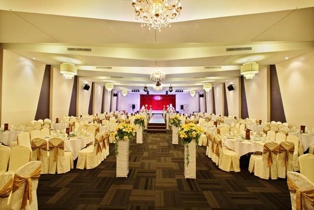 Nhà hàng tiệc cưới Đông Phương nổi tiếng là chuỗi nhà hàng chuyên về tiệc cưới, hội nghị lớn nhất tại Sài Gòn