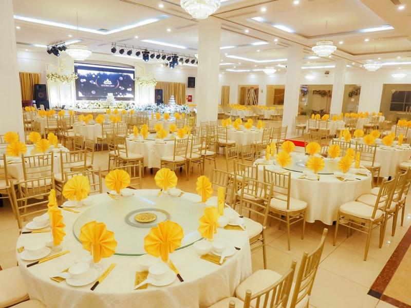 Không gian tiệc cưới tại Hương Sen.