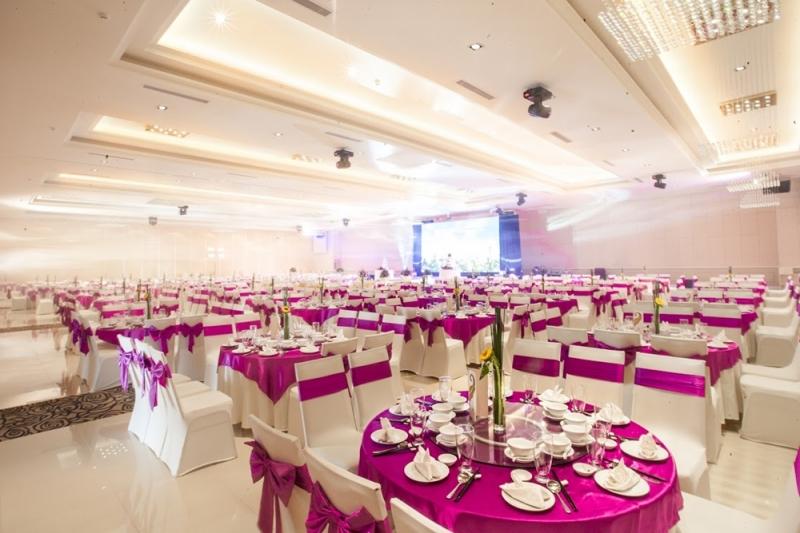 Melisa Center  ấn tượng  với 9 sảnh tiệc được đầu tư và trang trí sang trọng.