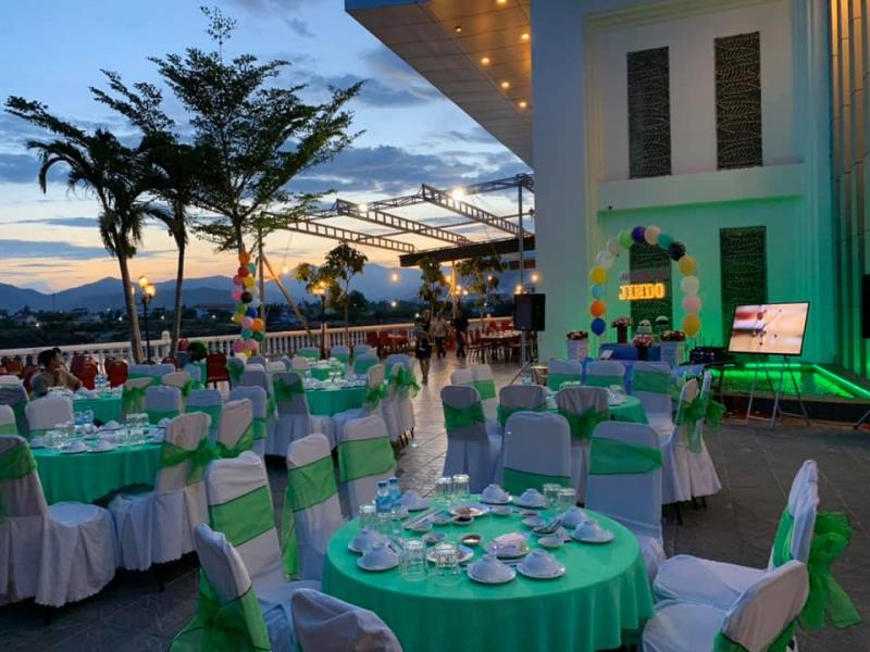 Nhà Hàng Tiệc Cưới Quỳnh Anh